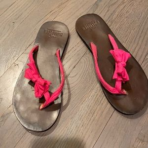 Hollister Flip flops *free with $50 purchase*